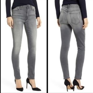 MOTHER The Looker Jeans Ghostcats II Size 26